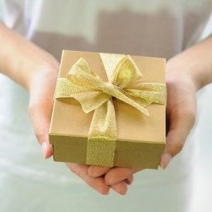 Mỗi một món quà tặng đều mang ý nghĩa riêng, bạn có biết ý nghĩa ẩn dấu trong các món quà này không?
