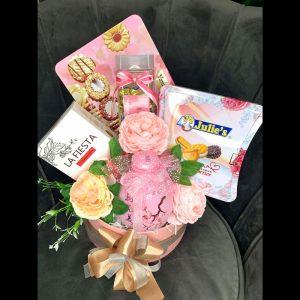 Giỏ quà tone hồng pastel nhẹ nhàng sang trọng - QT107